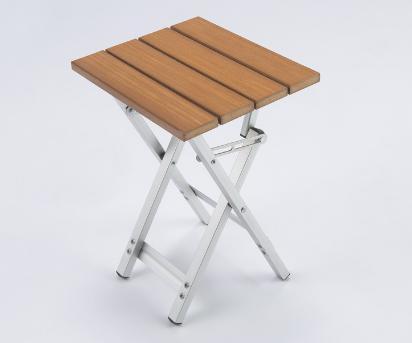 コンパクトに収納できる6人用テーブル&ベンチセット