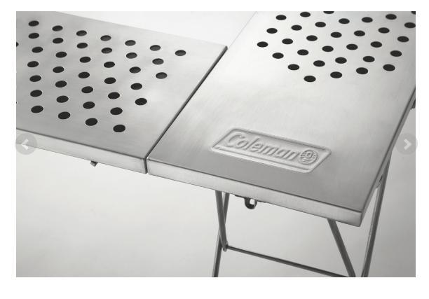 軽量&コンパクトで設営も撤収も簡単。オールステンレス製の焚き火台テーブル