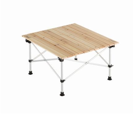 天板に天然木を使用したナチュラルな風合いの2ステージテーブル