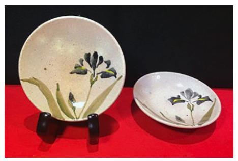 白石焼 瀧水窯(りゅうすいがま) あやめ文小皿 1個