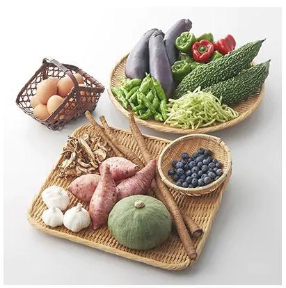 道の駅松浦海のふるさと館「旬のお野菜+産みたて濃厚玉子6個」の大満足セット!
